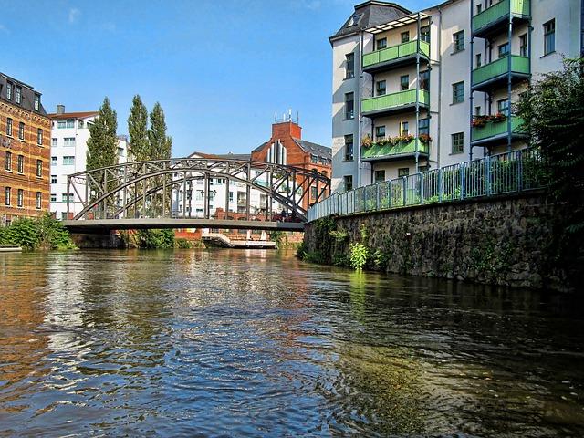 Il fiume di Lipsia, navigabile con imbarcazioni e canoe