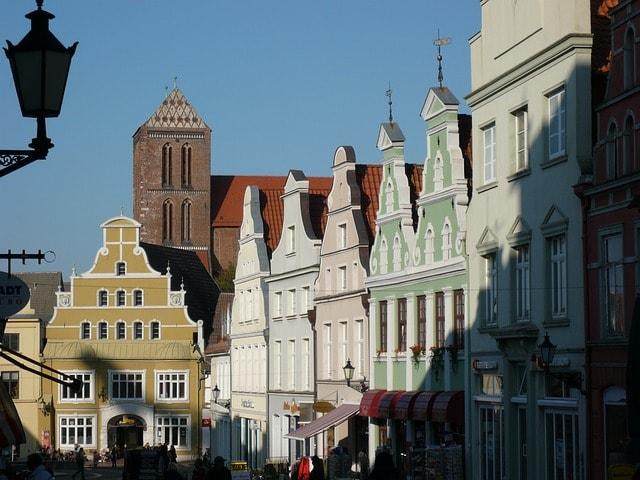 La caratteristiche case colorate di Wismar