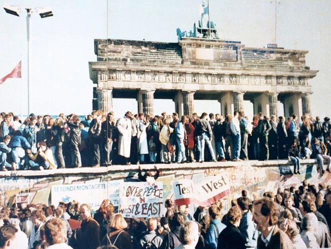 La Porta di Brandeburgo poco prima dell'abbattimento del muro