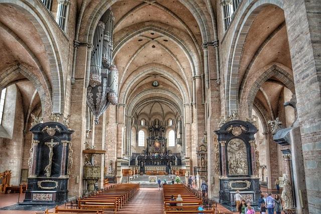 Interno del Duomo di Treviri