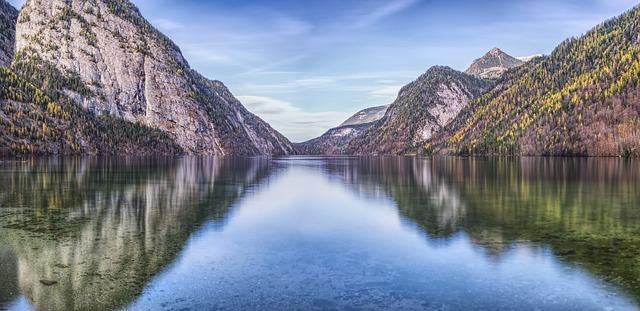 Fai un bagno o naviga sul lago Konigssee